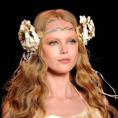 greciya 1 400x400 - История аксессуаров для волос