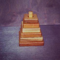 "Piramidka kvadratnaya 1 247x247 - Деревянная пирамидка ""Квадрат"""
