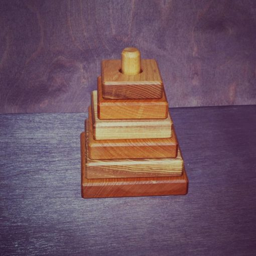 "Piramidka kvadratnaya 1 510x510 - Деревянная пирамидка ""Квадрат"""