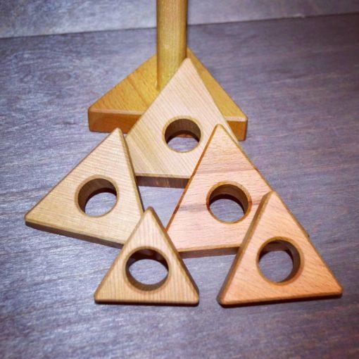 "Piramidka treugolnaya 5 510x510 - Деревянная пирамидка ""Треугольник"""
