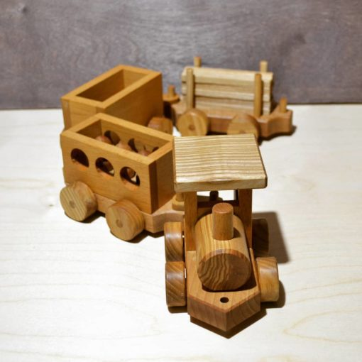 1 parovoz 510x510 - Паровоз каталка с тремя вагонами